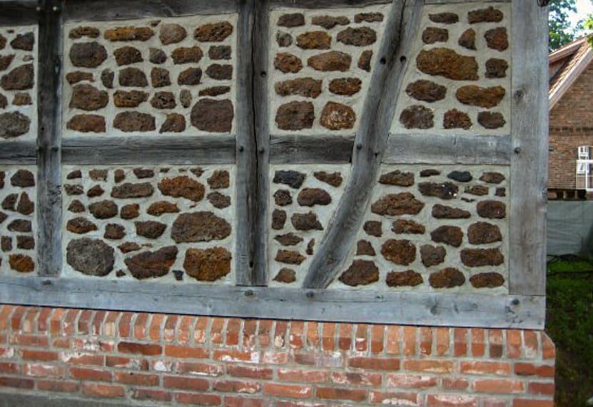 Fachwerk Scheune Steine